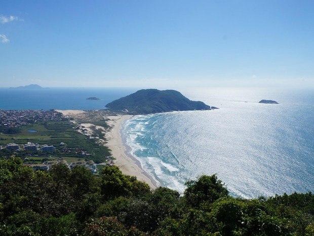 As melhores trilhas para você explorar em Florianópolis