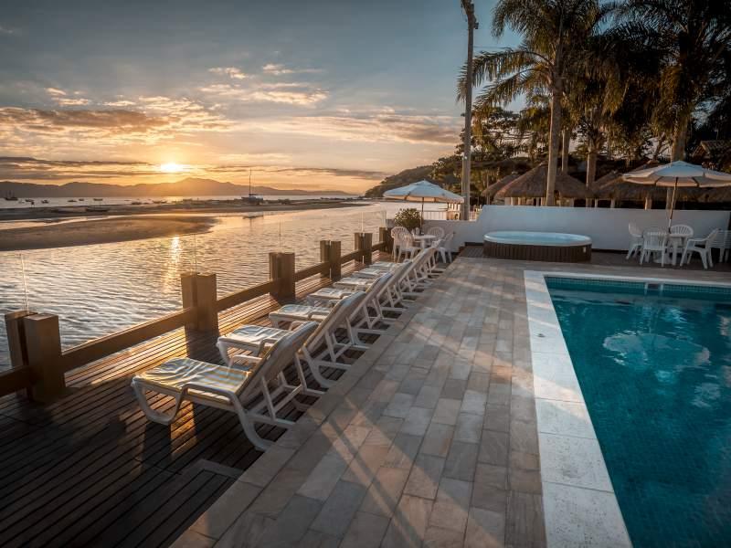 Hotéis pé na areia: 5 vantagens desse tipo de hospedagem