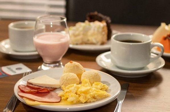 Café da manhã cortesia!